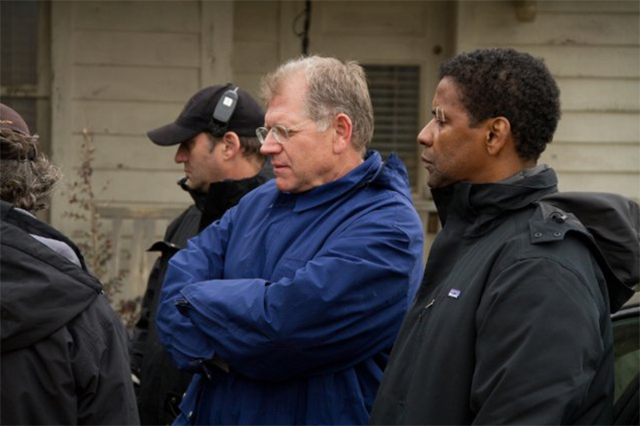 Robert Zemeckis and Denzel Washington on the set of Flight